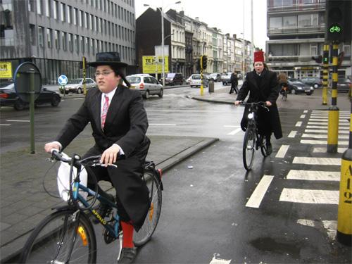 03_10_09_b_purim_bikes