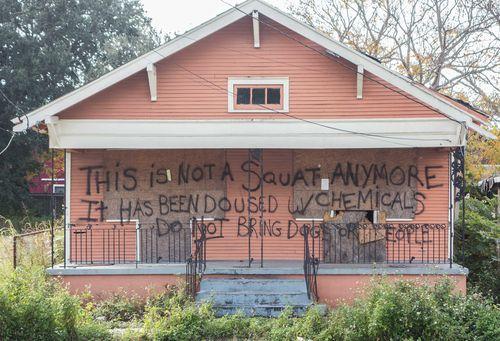 13_squat house